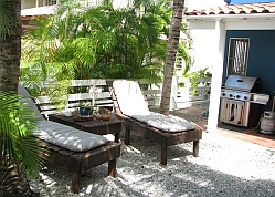 Bonaire Villa Accommodations Back Yard